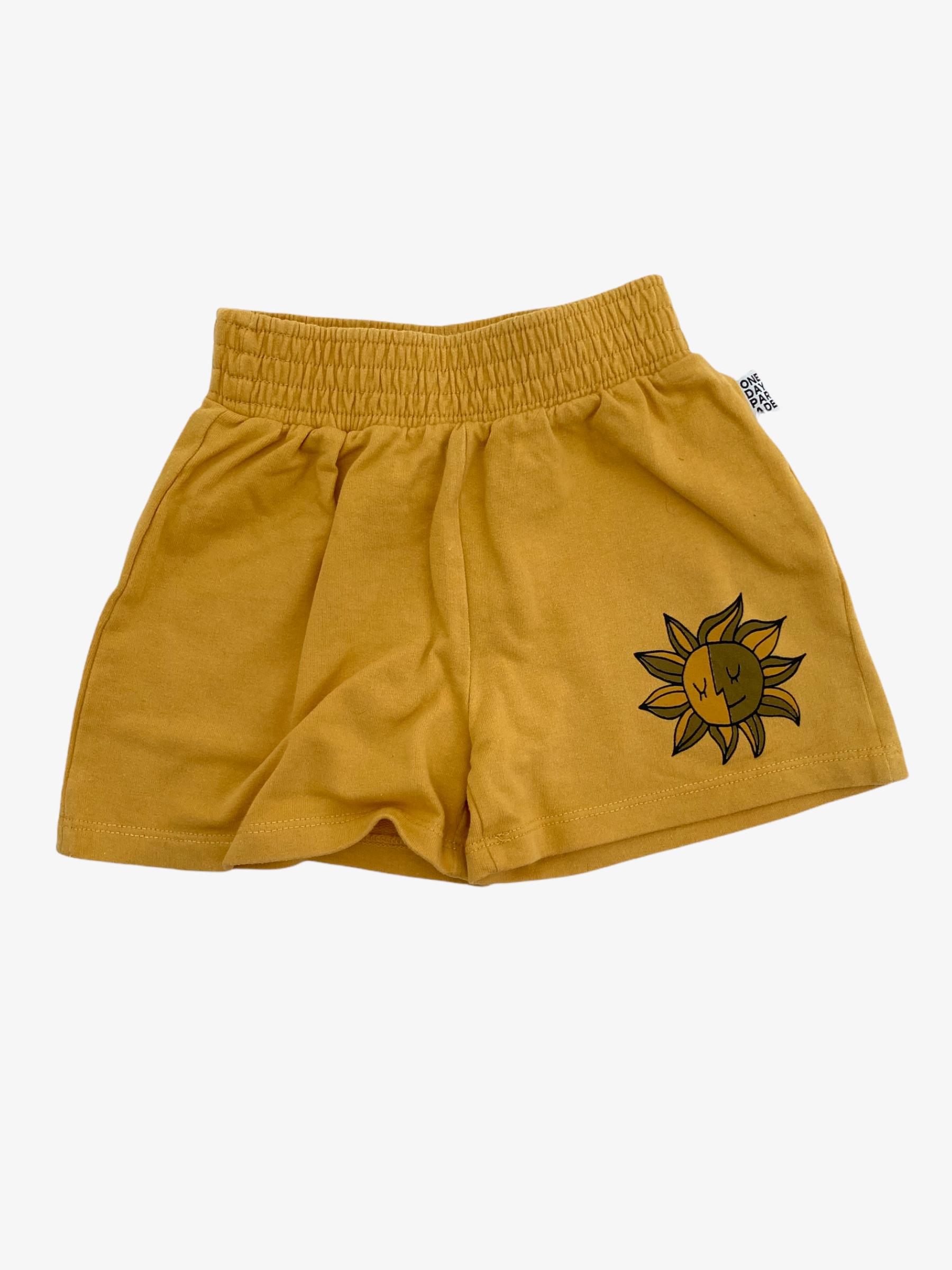 Korte broek • Tweedehands korte broek van merk One Day Parade in maat 74