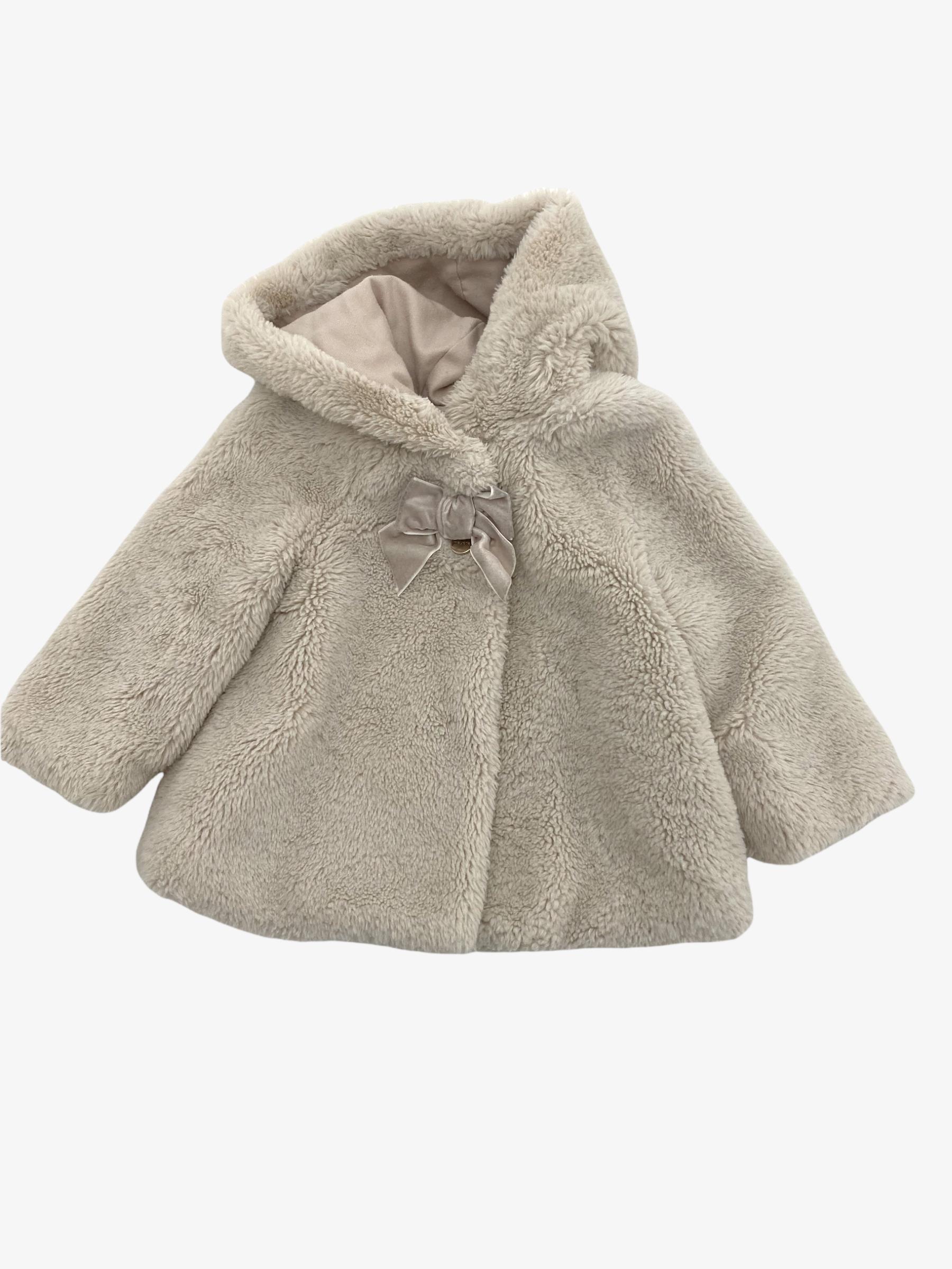Teddy coat • Tweedehands jas van merk Mayoral in maat 80